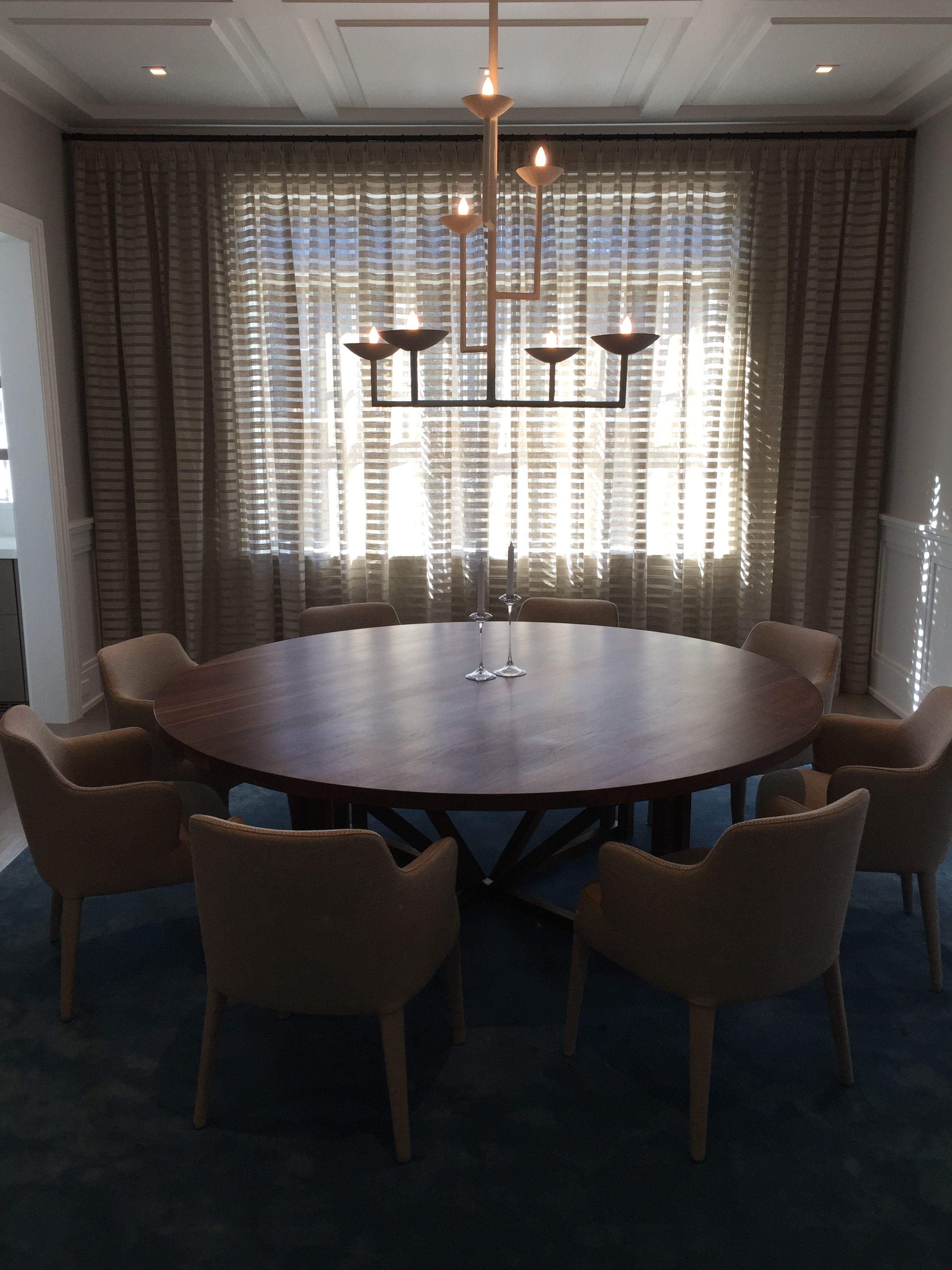 sideopenrod of and closing motorized experience button ease diningroom drapes welcome your push with antiquesilver the opening erod convenience to a home